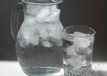 Simple Tip Tuesday: Stop Guzzling Ice-Cold Water All the Time!